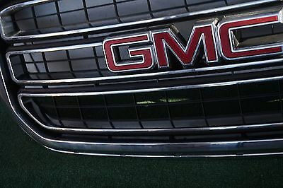2015-2017 GMC YUKON FRONT CHROME BUMPER GRILLE OEM w/ emblem