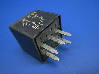 FUSE BOX RELAY 3602 SIE 12193602 . 000352A USA . B3 For Sale Fuse Box Usa on