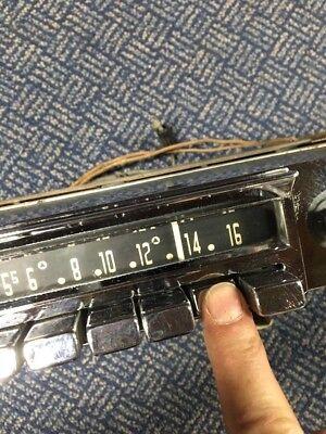 Classic Old 1960s MOPAR 833 Chrysler Dodge Plymouth Radio
