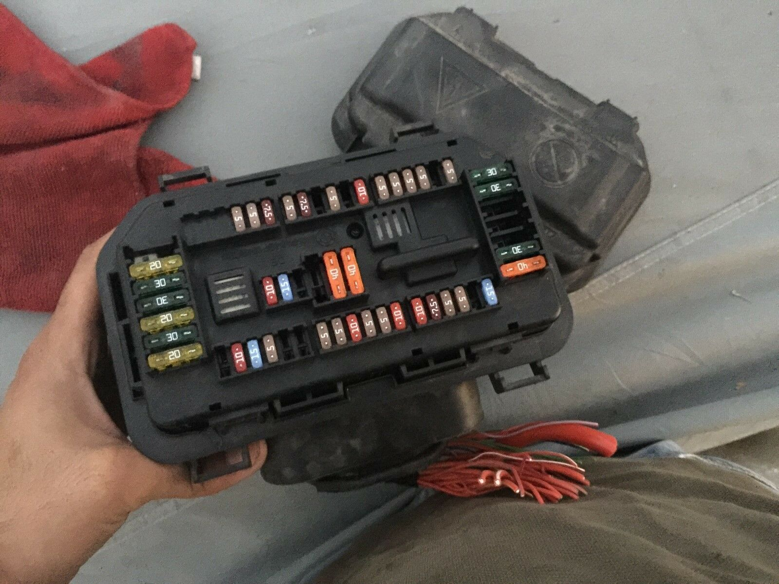 bmw 530i fuse box bmw f30 f32 f80 f82 320i 328i 335i 428i 435i 420i 330 m3 m4 (under hood)fuse box for sale