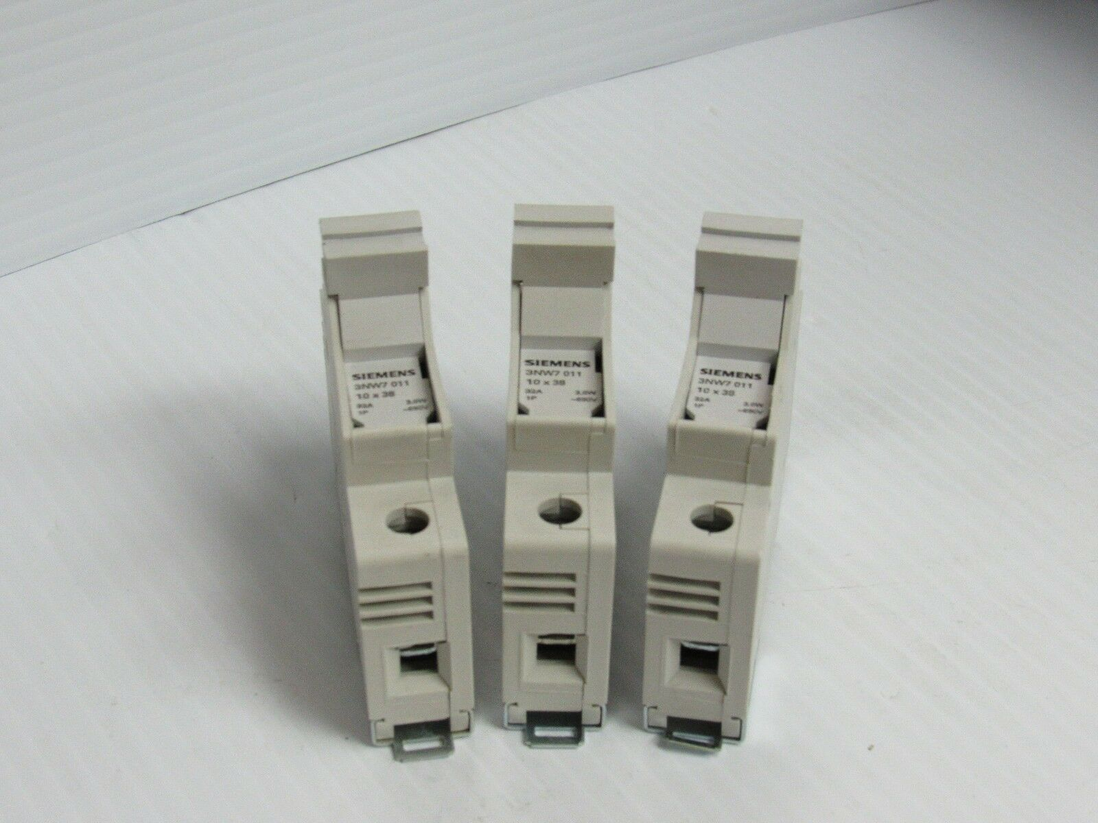 Lot Of 3 Siemens Fuse Holder 3nw7011 10x38 32 Amp A 32a 1 Pole 1p Box 690v Used For Sale