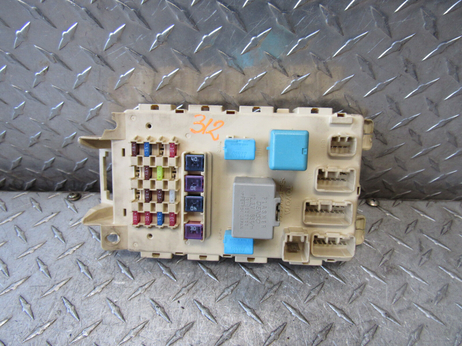 06 Scion Xb Interior Fuse Box 15l 4cyl 4dr Wgn